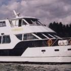 home_boat_cruise.jpg